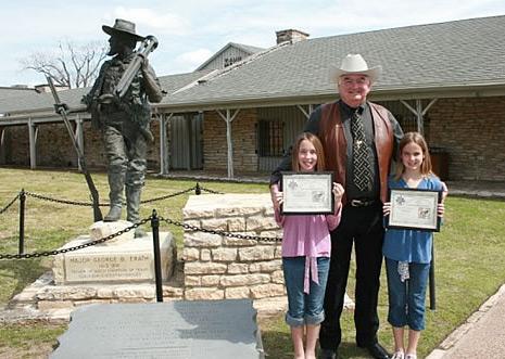 Retired Texas Ranger Captain Bob Prince with Junior Rangers