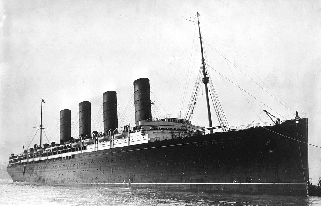 RMS Lusitania coming into port, possibly in New York, 1907-13 (Library of Congress).
