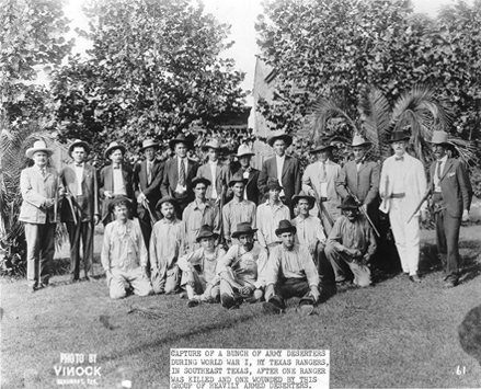 Captain Robert Hanson with posse and deserters/draft dodgers in San Augustine County, 1918. From the M.T. Gonzaullas collection.